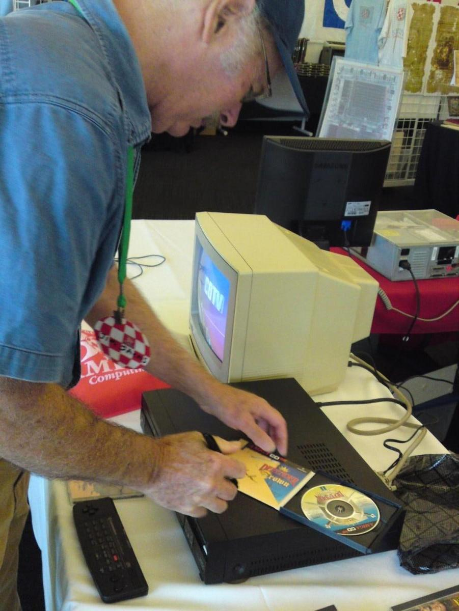 """Jim Sachs signing my """"Defender of the Crown II"""" CD32 disc"""