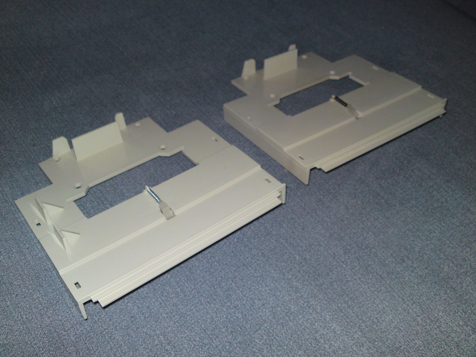 TI-99/4A GROM port trap doors (side view)
