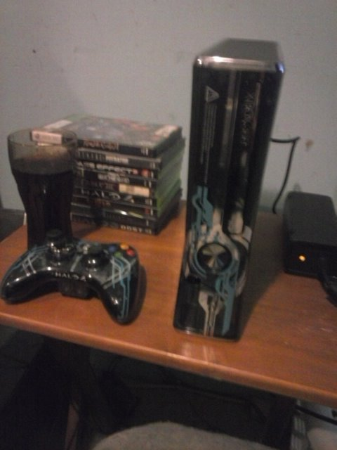 Custom limited edition halo 4 xbox 360 slim rgh2. (led's of your.