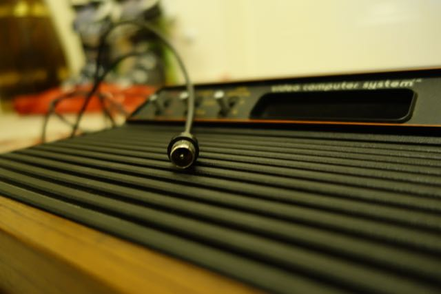how to hook up an atari 2600 to an old tv