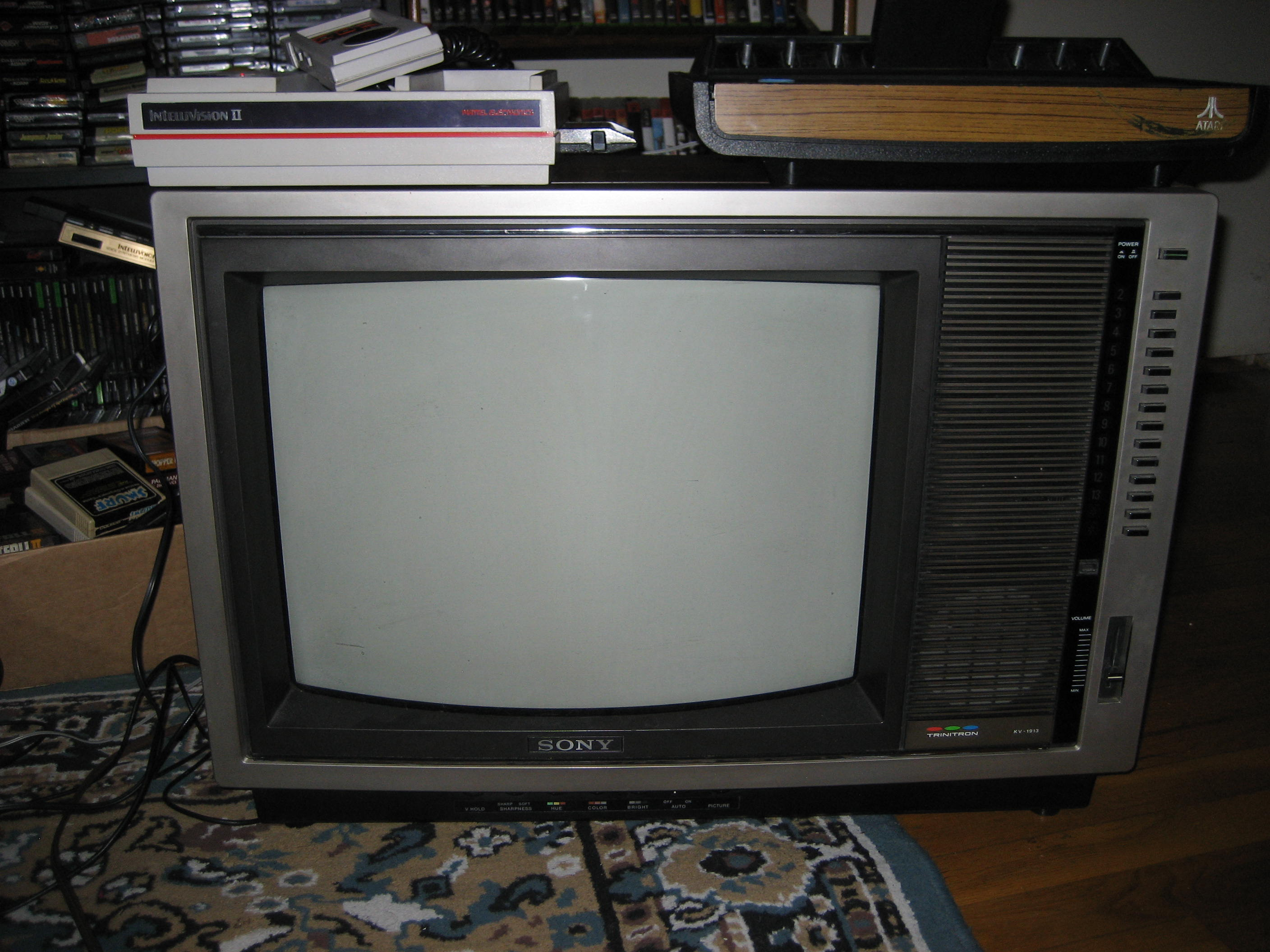 I Picked Up A Sony Trinitron Crt Tv For Ten Bucks