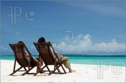 Young-Couple-Beach-411373.jpg