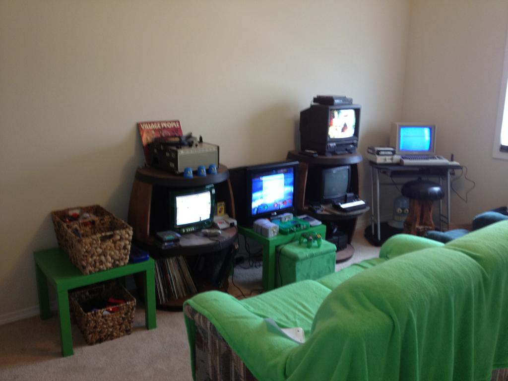 Chuck d head 39 s gameroom finally show us your collection for Small room 7 1 setup