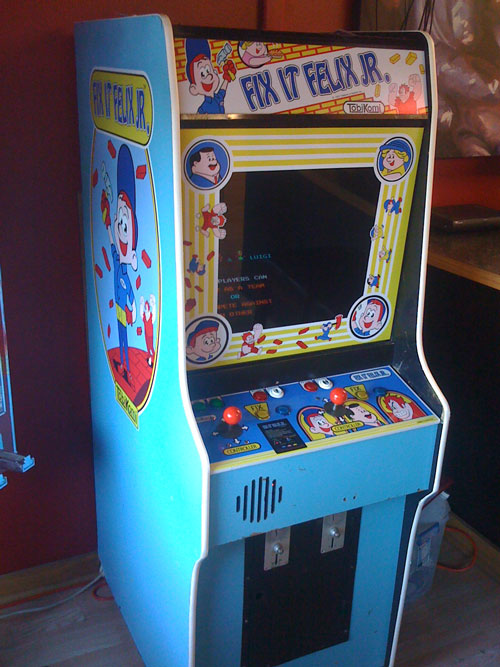 Fix It Felix Jr Arcade Machine Fix-It Felix Jr. Atari...