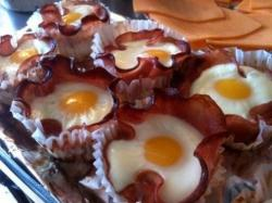 Bacon-And-Egg-Cupcakes.jpg