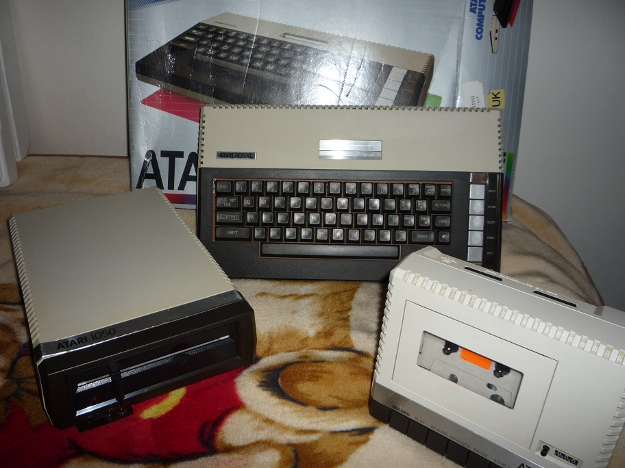 VT-100 Terminal Emulator Cartridge Atari 520 1040 ST//STE New Less Box and Manual