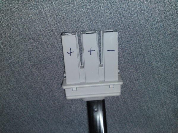 Polarity of the lines at the plug-end of the RBC-33's 870-2183 harness cable