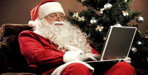santa-playing-video-games.thumb.jpg.46e057a2000a87638614c5225ee7aef9.jpg