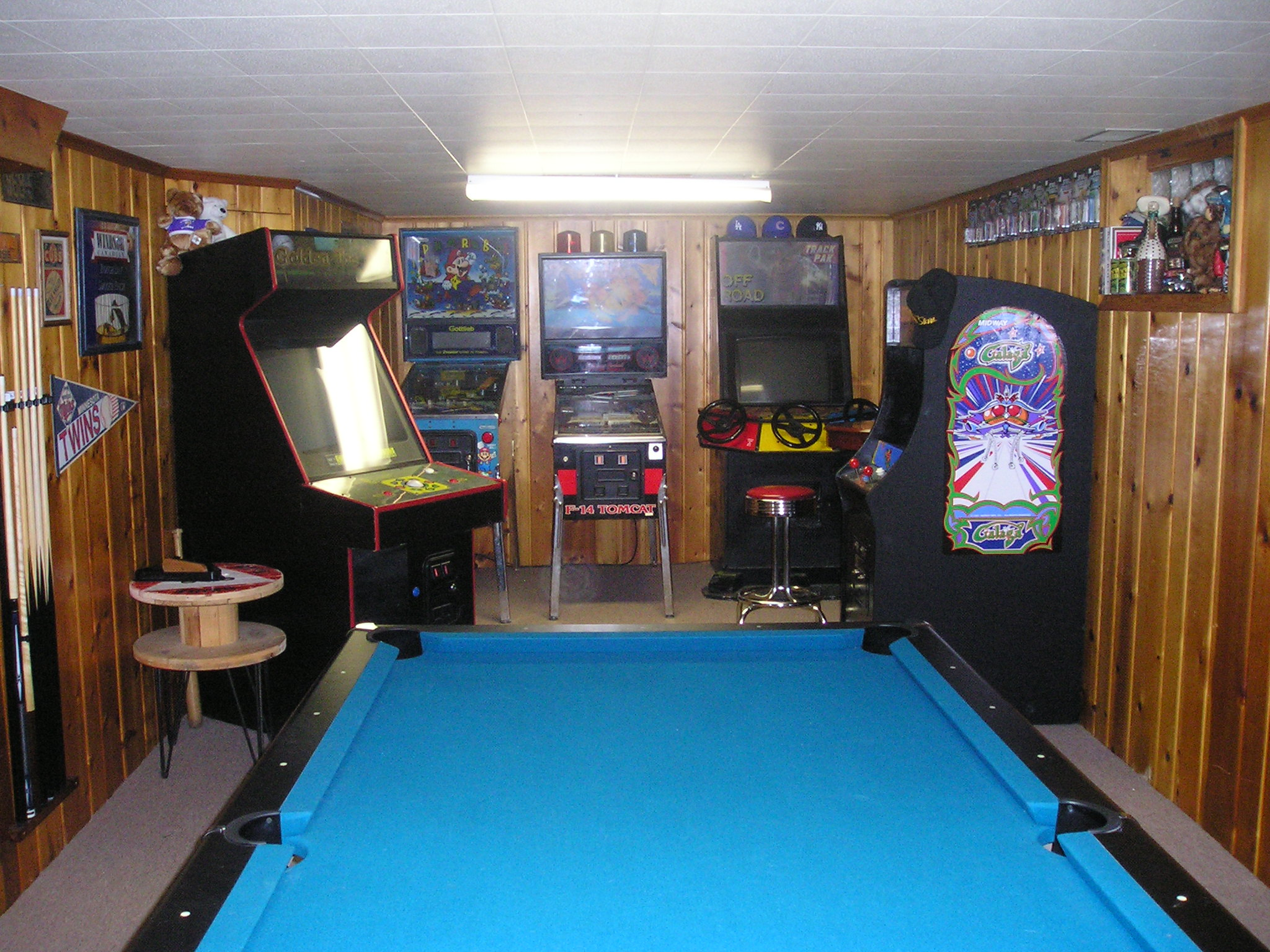 What do you guys make of this (Golden tee) - Arcade and Pinball